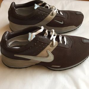 Nike sneakers NWOT